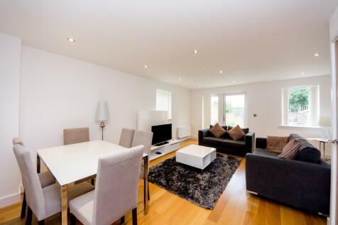Fairthorn Road, London, SE7. 3 bedroom flat