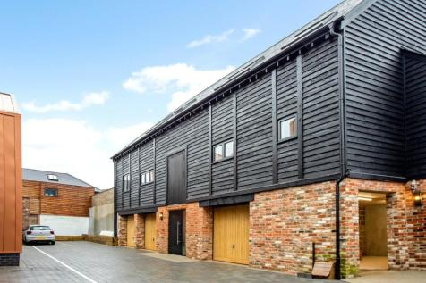 The Old Brewery, 22 Pennyfarthing Street, Salisbury, Wiltshire, SP1. 2 bedroom mews house for sale