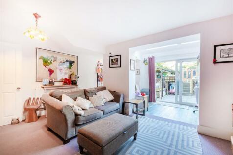 Maley Avenue, West Norwood, London. 3 bedroom flat