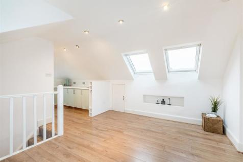 Kinfauns Road. 2 bedroom flat for sale