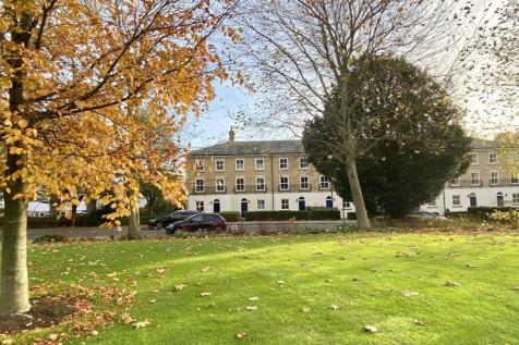 King George Gardens, Chichester. 3 bedroom terraced house for sale
