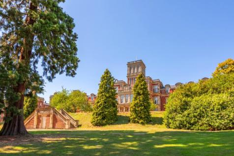 Royal Earlswood Park,Earlswood,Redhill,RH1. 1 bedroom flat