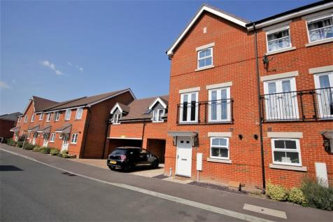Cavendish Drive, Locks Heath. 3 bedroom town house