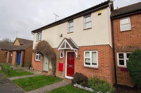 Mosbach Gardens, Hutton, Brentwood, Essex, CM13. 2 bedroom terraced house