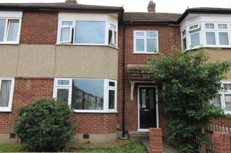 Franmil Road, Hornchurch, Essex, RM12. 3 bedroom terraced house