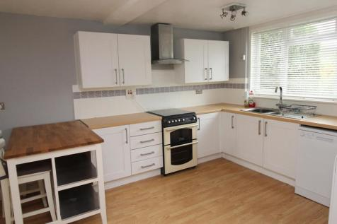 Coltsfoot Path, Romford, Essex, RM3. 3 bedroom terraced house