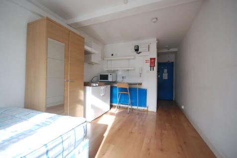 Kember Street, N1. Studio flat