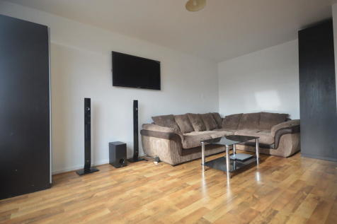 Kineford House, York Way Estate, N7. Studio flat