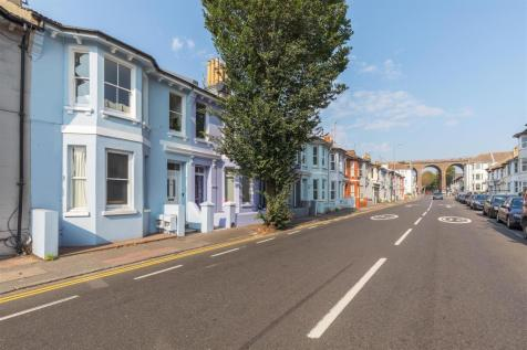 Beaconsfield Road. 3 bedroom house for sale