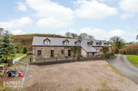 Llanfihangel, Llanfyllin, Powys, Mid Wales - Detached / 7 bedroom detached house for sale / £600,000