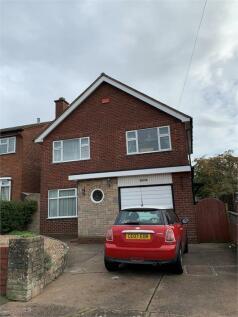 Lightwood Road, Dudley, West Midlands. 3 bedroom detached house for sale