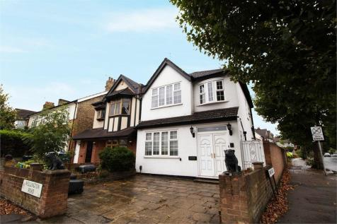 Wellington Road, Enfield, Greater London. 3 bedroom semi-detached house