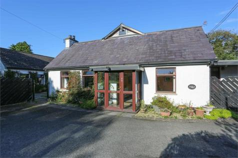 Front Road, Lisburn, County Antrim. 5 bedroom cottage for sale