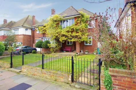 St Vincents Road, Westcliff-on-Sea, Essex. 5 bedroom detached house for sale