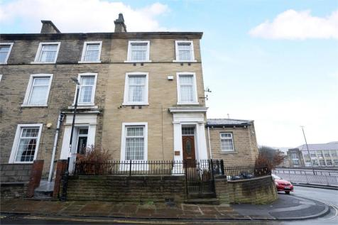 Akeds Road, Halifax, West Yorkshire. 6 bedroom terraced house for sale