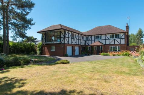 Cedar House, Iffin Lane, Canterbury. 5 bedroom detached house