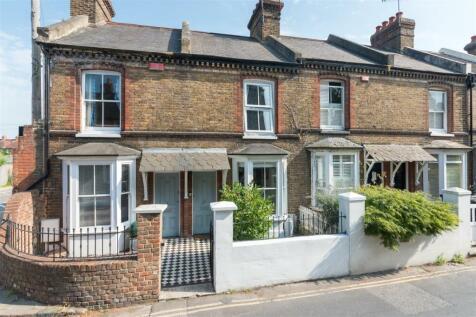 Pound Lane, Canterbury. 3 bedroom terraced house