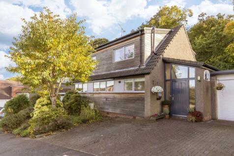 33 Rivaldsgreen Crescent, Linlithgow, EH49 6BB. 4 bedroom detached villa for sale