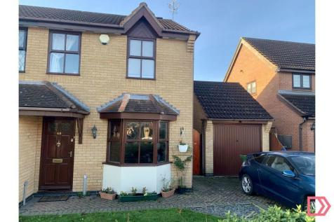 Somerfield Way, Leicester Forest East, Leicester, Leicestershire, LE3. 3 bedroom semi-detached house