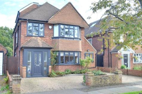 Copthall Road West, Ickenham, UB10. 5 bedroom detached house for sale