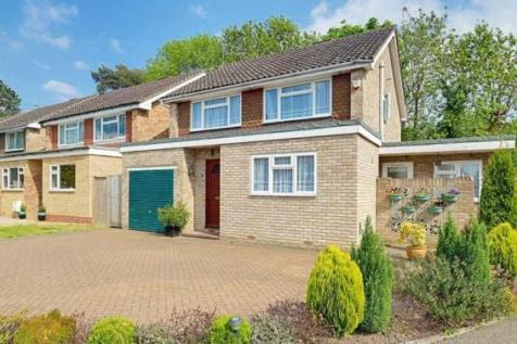 The Mallows, Ickenham, UB10. 4 bedroom detached house for sale