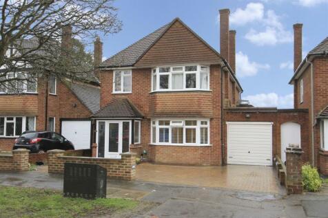 Greenacres Avenue, Ickenham, UB10. 5 bedroom detached house for sale