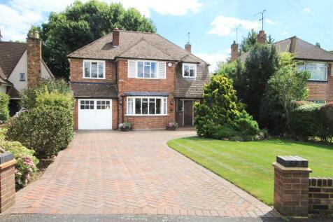 Thornhill Road, Ickenham, UB10. 5 bedroom detached house