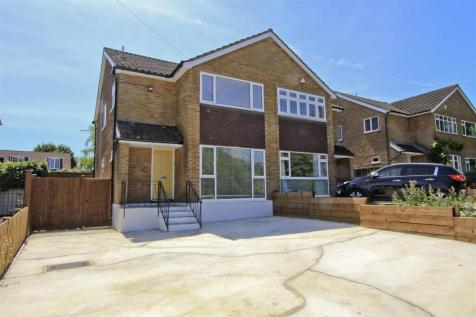 Swakeleys Road, Ickenham, UB10. 3 bedroom semi-detached house
