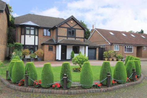 Dukes Ride, Ickenham, UB10. 4 bedroom detached house for sale