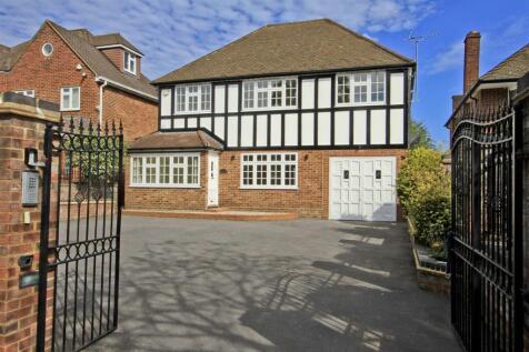Warren Road, Ickenham, UB10. 5 bedroom detached house