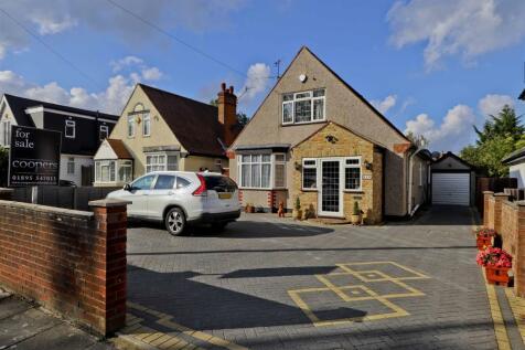 Swakeleys Road, Ickenham, UB10. 4 bedroom detached bungalow for sale