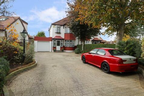 Elgar Close, Ickenham, UB10. 3 bedroom semi-detached house for sale