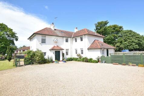 Millhill House, 1 Powmill Road, Prestwick, KA9 2NX. 4 bedroom detached villa