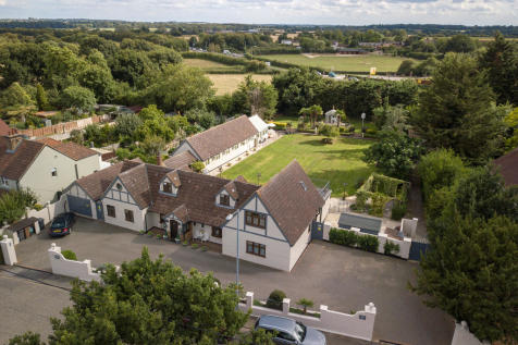 Writtle - Fenn Wright Signature. 5 bedroom detached house