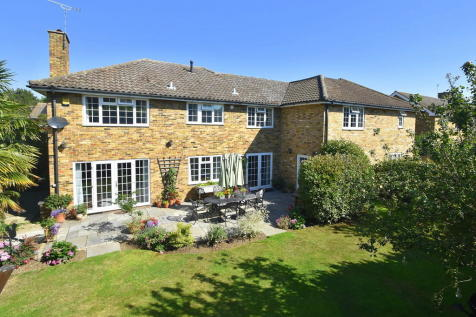 Chelmsford - Fenn Wright Signature. 5 bedroom detached house
