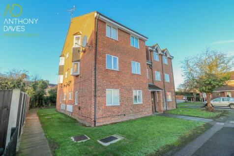 Cranleigh Close, Cheshunt, Hertfordshire, EN7. 1 bedroom ground floor flat
