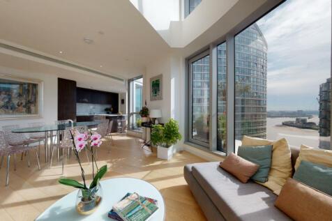Biscayne Avenue E14. 3 bedroom flat for sale