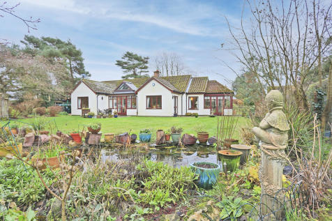 Seven Acres Lane, Walberswick. 4 bedroom chalet for sale