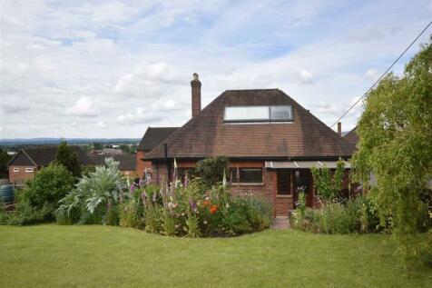 Homend Crescent, Ledbury, Herefordshire. 2 bedroom detached bungalow