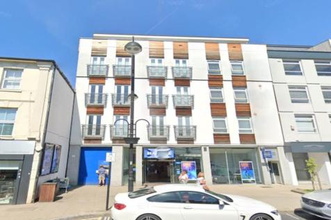 Townview, High Road, Loughton. 1 bedroom flat