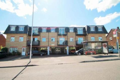 Central Court, Chigwell, Essex. 2 bedroom flat