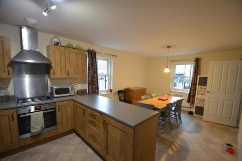 Greenaways, Ebley, Stroud, GL5. 6 bedroom end of terrace house