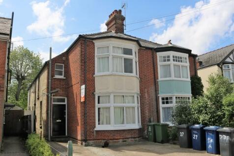 27 Highworth Avenue, Cambridge, Cambridgeshire, CB4. 1 bedroom house share
