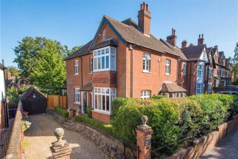 Highbury Road, Hitchin, Hertfordshire, SG4. 6 bedroom detached house
