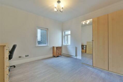 Settles Street, Whitechapel, E1. 4 bedroom flat