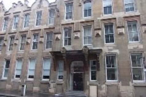 137 Ingram Street. 1 bedroom flat