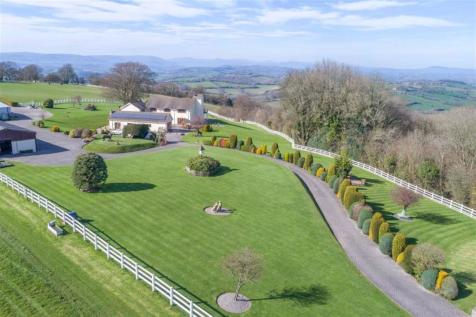 Pen-y-Cae Mawr, Usk, Monmouthshire. 5 bedroom detached house