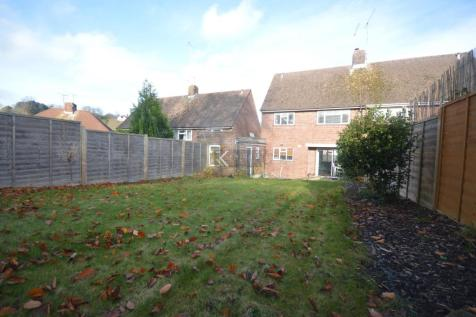 Fivefields Road, Winchester - 3 Bedroom Refurbished Home - Offered Part Furnished - Available 10th January 2021. 3 bedroom house