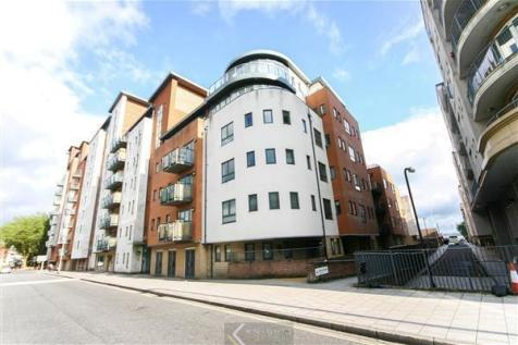 Lower Canal Walk, Southampton SO14. 1 bedroom flat