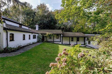 Weald Road, South Weald, Brentwood, Essex, CM14. 6 bedroom detached house for sale
